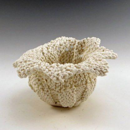 Sawtooth Lace Edge Cup Porcelain